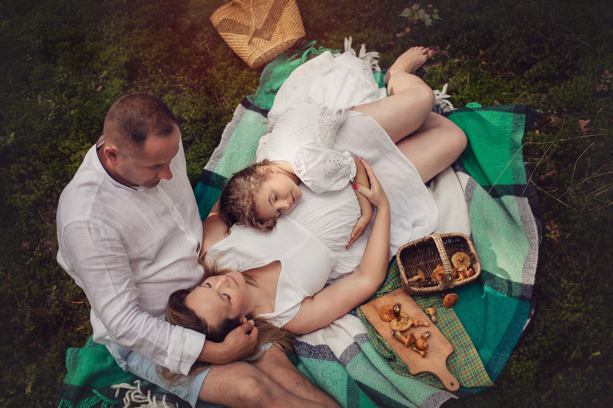 Maternity photographer Dubai UAE Monika Wasylewska